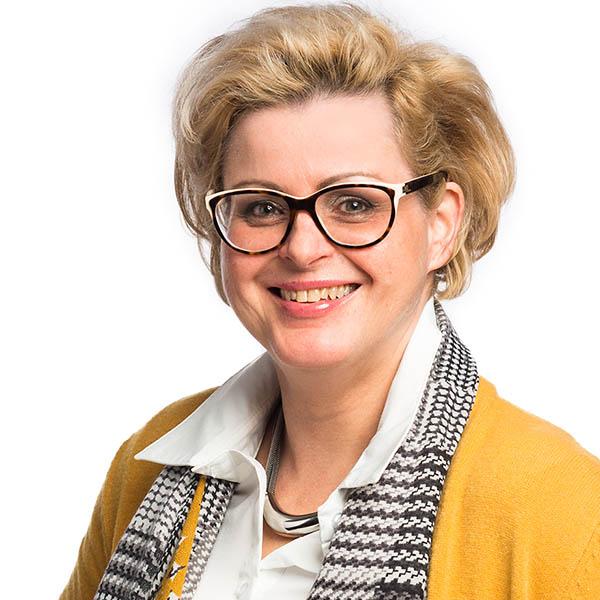 Jacqueline Simons-Puijnen, assistente 600600